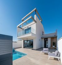 New Promotion of Apartments and Villas with Views to the Roda Golf, Los Alcázares
