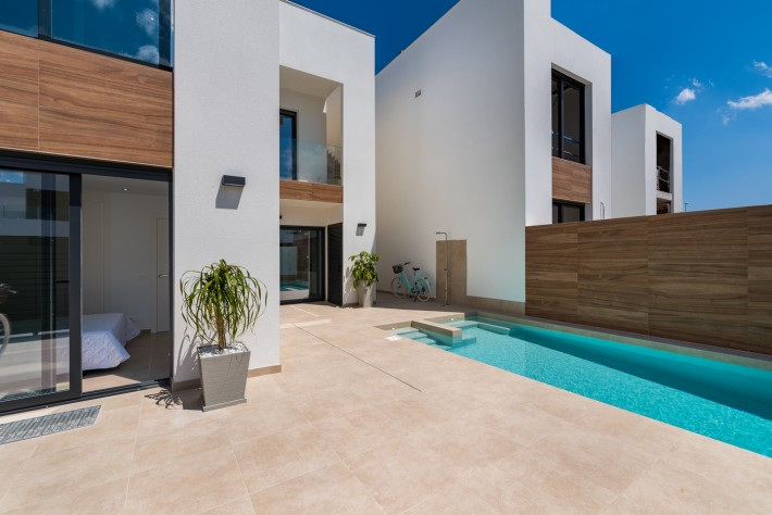 Independent Villas with Private Pool in Benijófar, New Construction