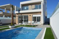 Independent Villas with Views to the Private Pool in Pilar de la Horadada, New Construction